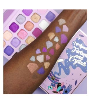 I Heart Revolution - Spellbooks Shadow palette - Fortunes and Crystals